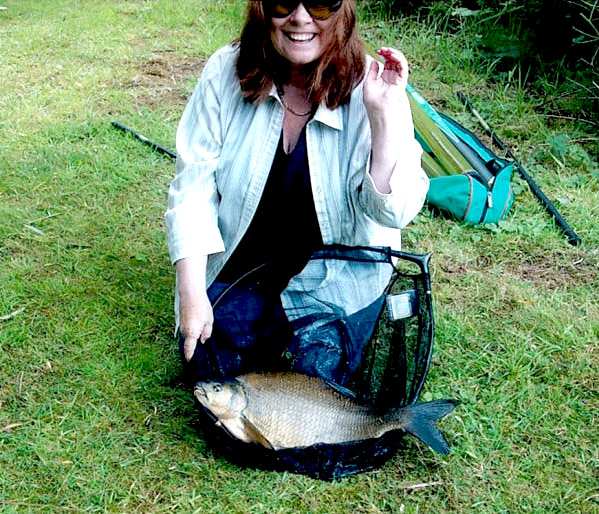 A 7lb Lake 3 bream (taken by Mrs Plumb)